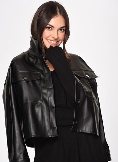 Loves You Yaka Dekolteli Yarım Balıkçı Triko Elbise Siyah
